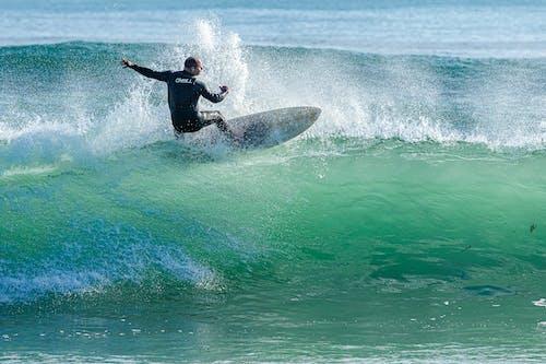 Foto profissional grátis de ação, água, atividade