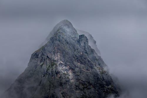 Kostnadsfri bild av atmosfäriska fenomenet, berg, bergiga landformer, bergskedja