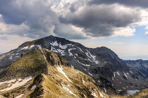 Kostnadsfri bild av äventyr, berg, bergskedja, bergsklättring