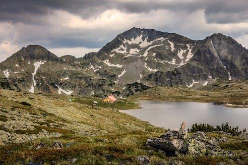 Kostnadsfri bild av berg, bergiga landformer, bergskedja, bergstopp
