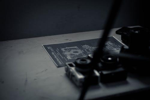 Foto profissional grátis de ambiente de trabalho, analógico, análogo, antiquado