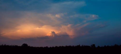 Ingyenes stockfotó drámai, ég, este, fák témában
