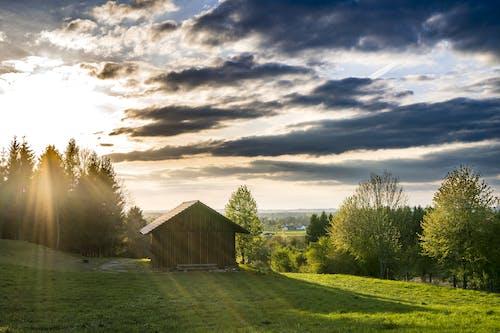傍晚的天空, 光束, 天空, 山丘 的 免費圖庫相片