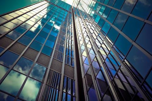 Бесплатное стоковое фото с архитектура, Архитектурное проектирование, высокий, голубой