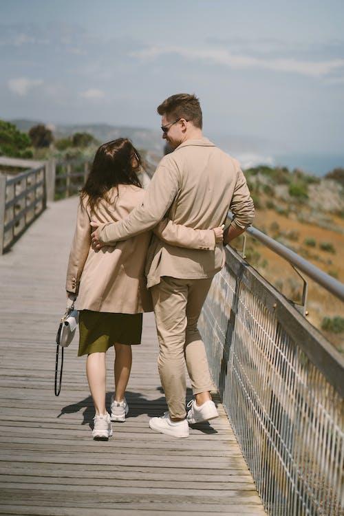 Immagine gratuita di abbraccio, affetto, amante, amore