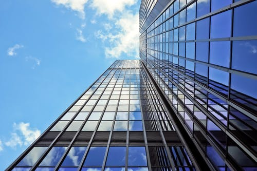 Fotos de stock gratuitas de arquitectura, cristal, edificio, edificio alto
