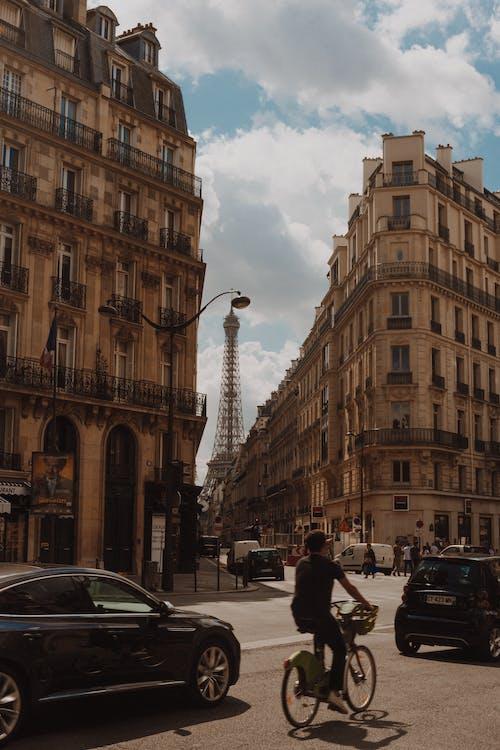 Ilmainen kuvapankkikuva tunnisteilla ajoneuvo, andar de bicicleta, área metropolitana, arkkitehtuuri