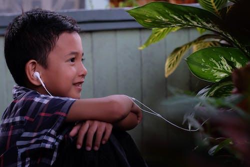 Imagine de stoc gratuită din băiat, cască, centrale, culoare