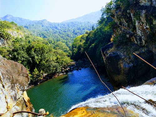 çağlayan, kayalık tepeler, Mavi Dağlar, Mavi su içeren Ücretsiz stok fotoğraf