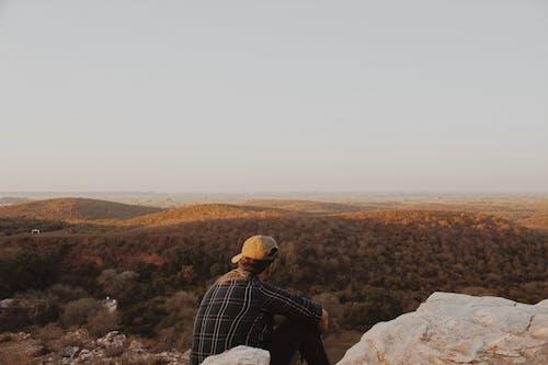 Δωρεάν στοκ φωτογραφιών με άνδρας, Άνθρωποι, βουνό, δύση του ηλίου