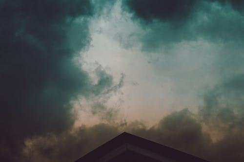 Foto d'estoc gratuïta de per sobre dels núvols, plujós