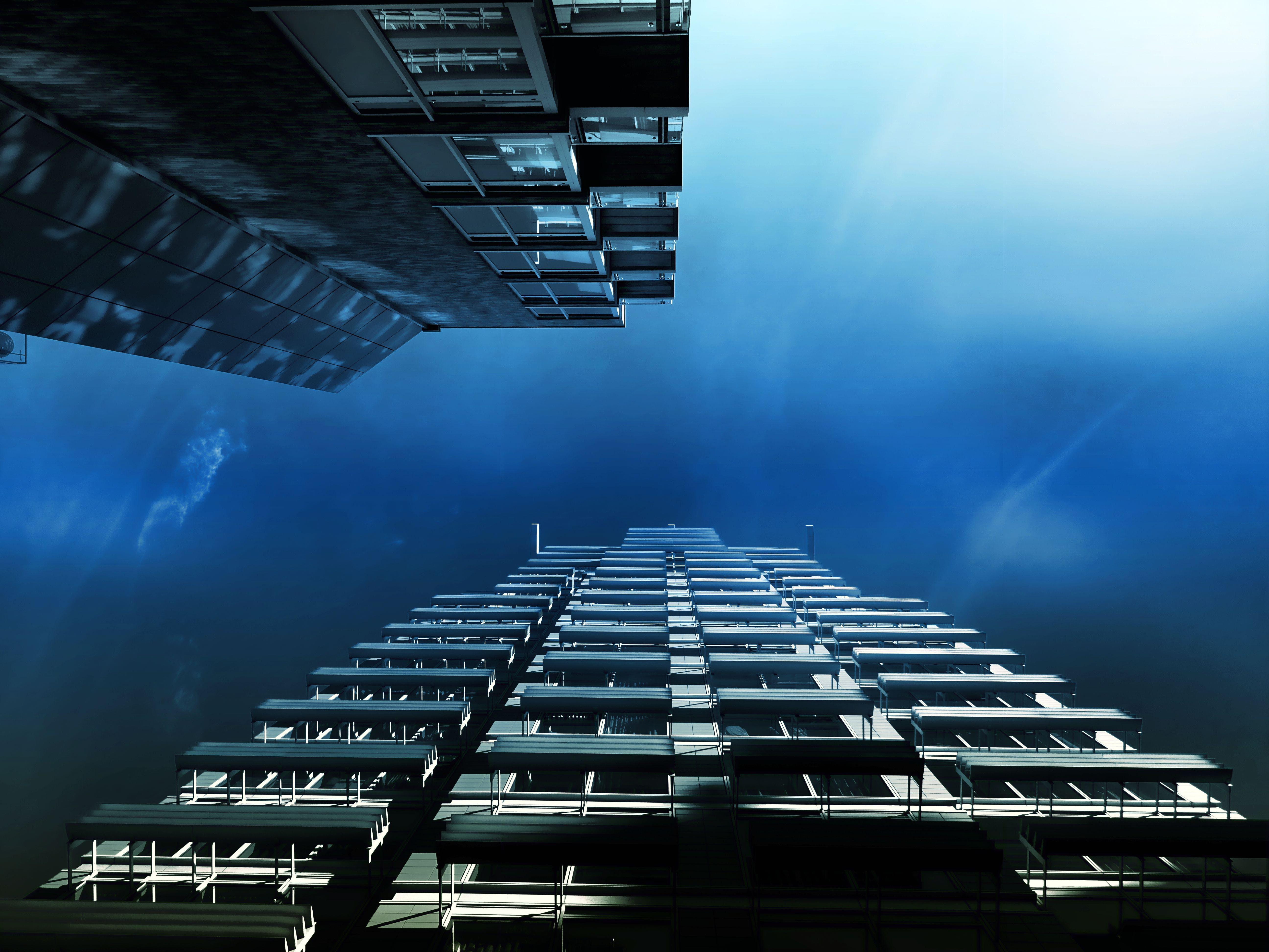 ablakok, acél, alacsony szögű felvétel, ég témában