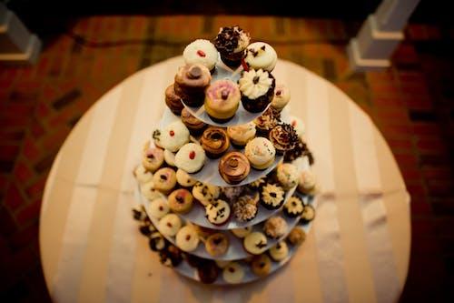 Free stock photo of cupcakes, custom cupcakes, yummy