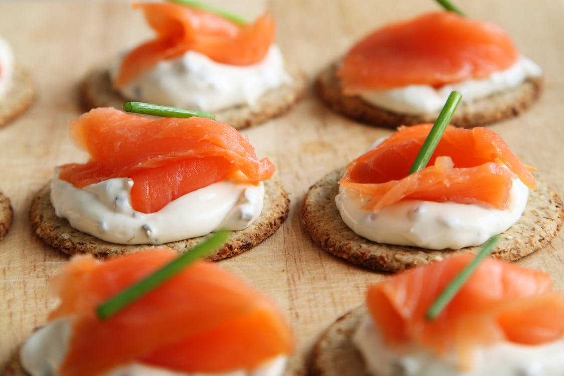 canapes, crackers, eerste gang