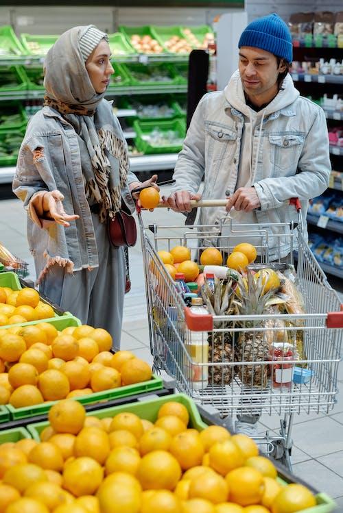 Základová fotografie zdarma na téma dospělost, dospělý, dvojice, hidžáb