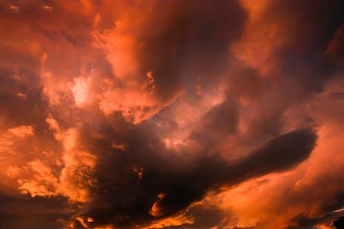 Immagine gratuita di alba, all'aperto, alto, ambiente