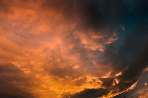 Immagine gratuita di alba, alto, bel tempo, cielo