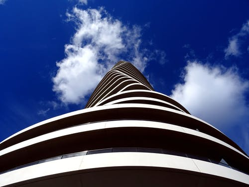 Foto stok gratis Arsitektur, awan, baja, barang kaca