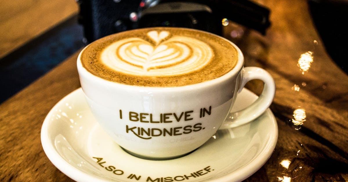 Пиджак своими, фото с кофе с надписью