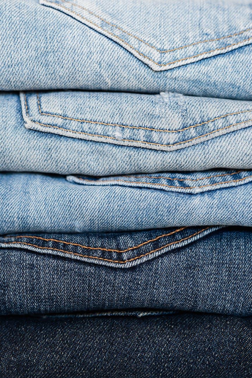 Tipo de lavagem guarda significado oculto: quanto mais claro o jeans, menos sofisticado ele é