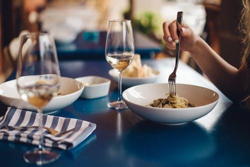 Immagine gratuita di articoli per la tavola, bivio, cena