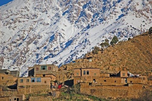 Ilmainen kuvapankkikuva tunnisteilla berberikylä, korkea atlas, lumi, marakesh