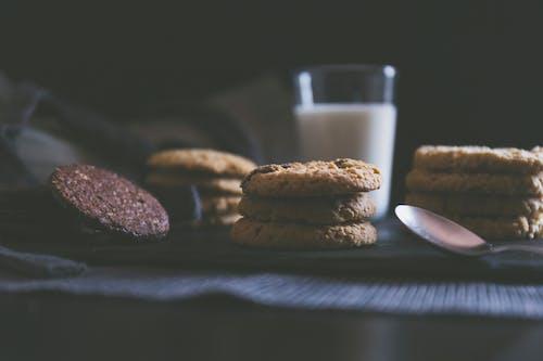 Kostenloses Stock Foto zu desayuno, galletas, leche