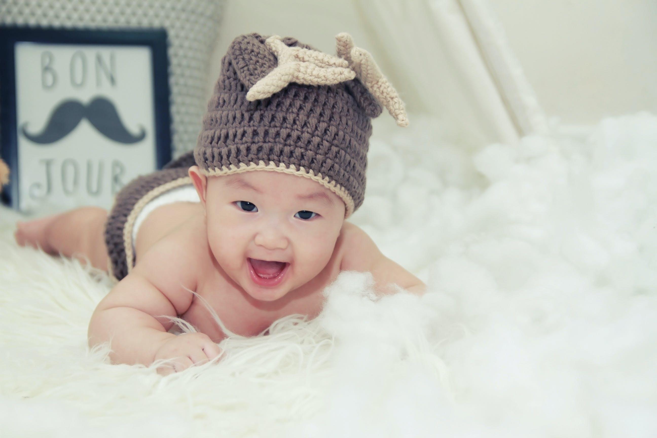 Kostenloses Stock Foto zu baby, bezaubernd, fotoshooting, freude