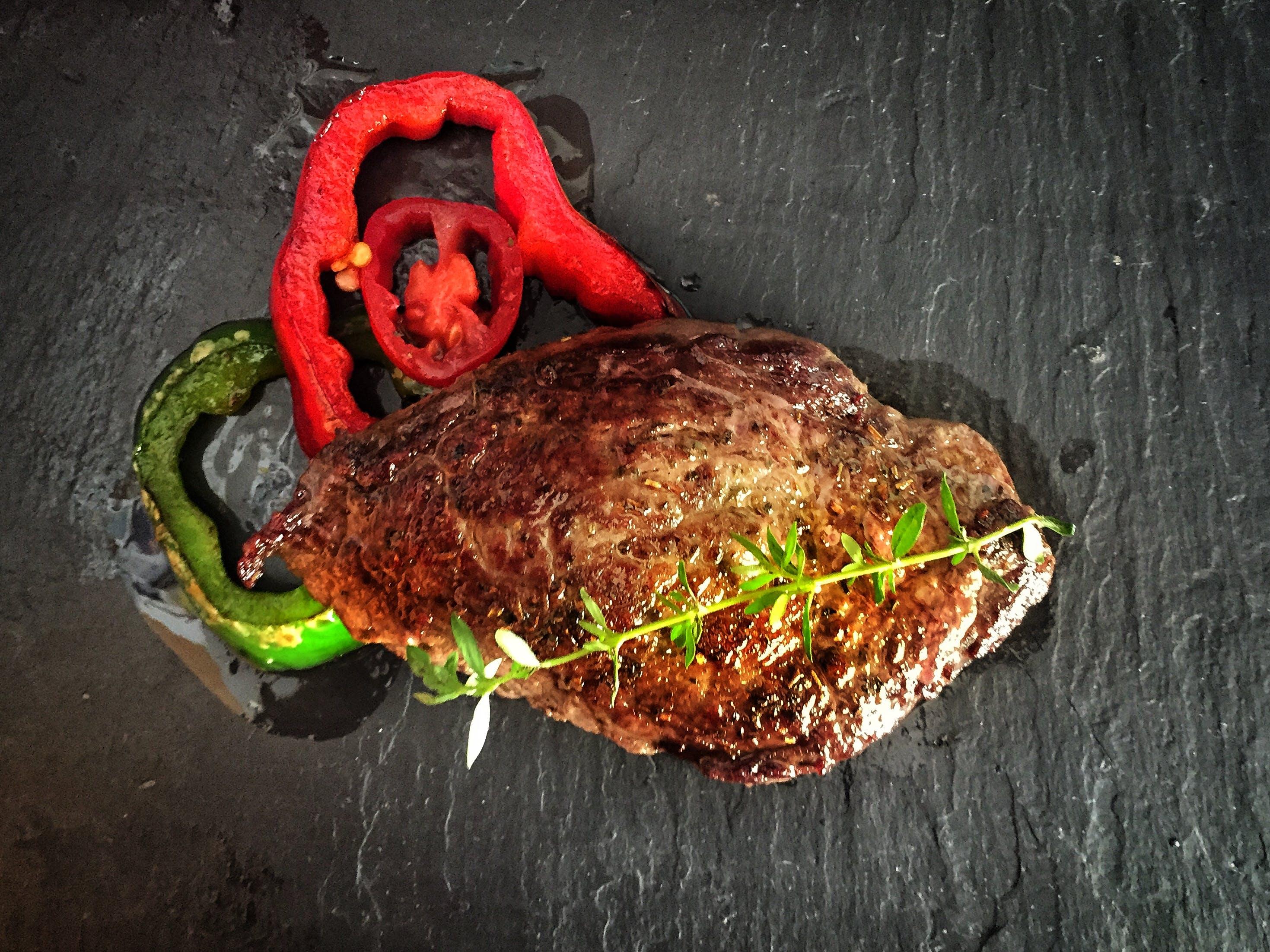 Kostenloses Stock Foto zu essen, fleisch, frisches gemüse, gegrillt