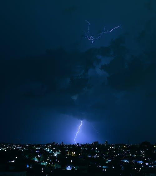 Fotobanka sbezplatnými fotkami na tému astronómia, blesk, blýskanie, búrka