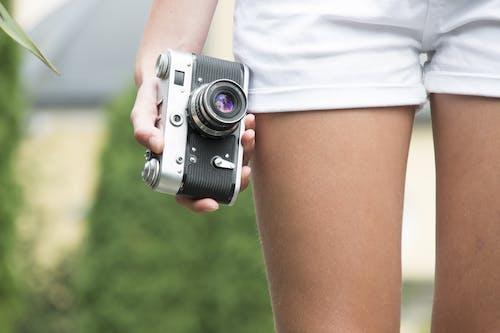 Fotobanka sbezplatnými fotkami na tému dievča, fotka, fotoaparát, fotograf