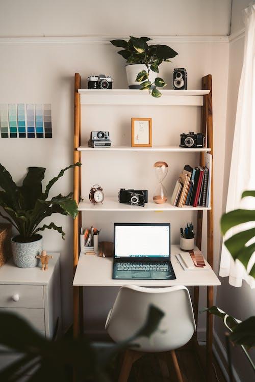 Darmowe zdjęcie z galerii z biurko, biuro domowe, dom