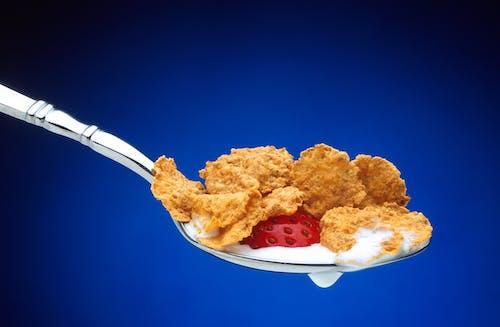 Gratis stockfoto met aardbei, cornflakes, eten, fruit