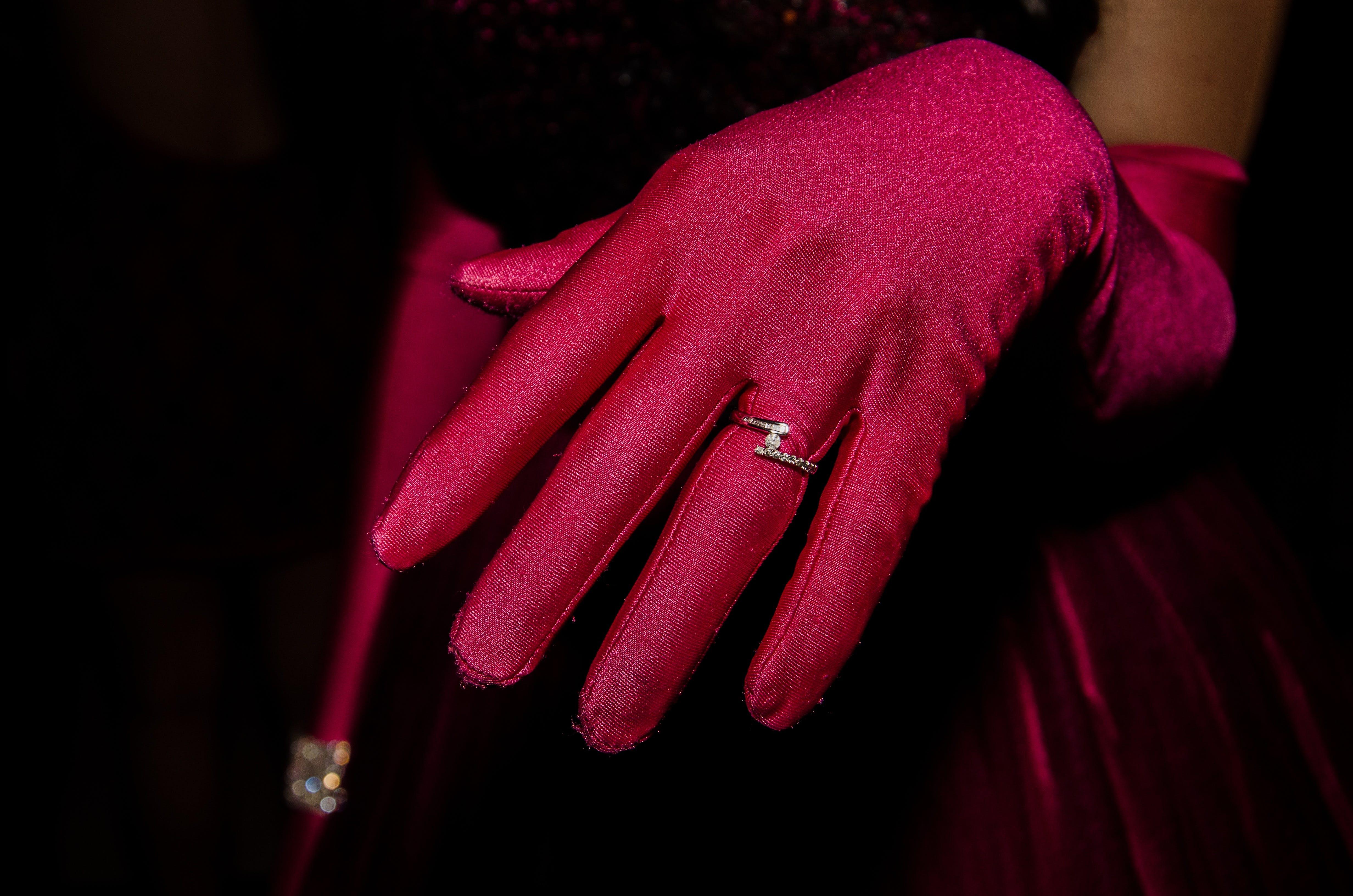 anillo, diamante, guante
