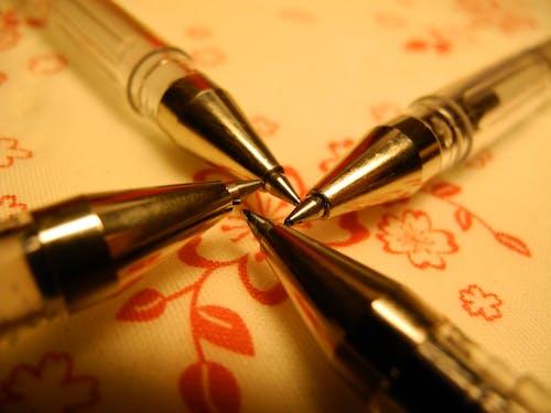 Foto profissional grátis de azul, caneta, conto de fadas, flores