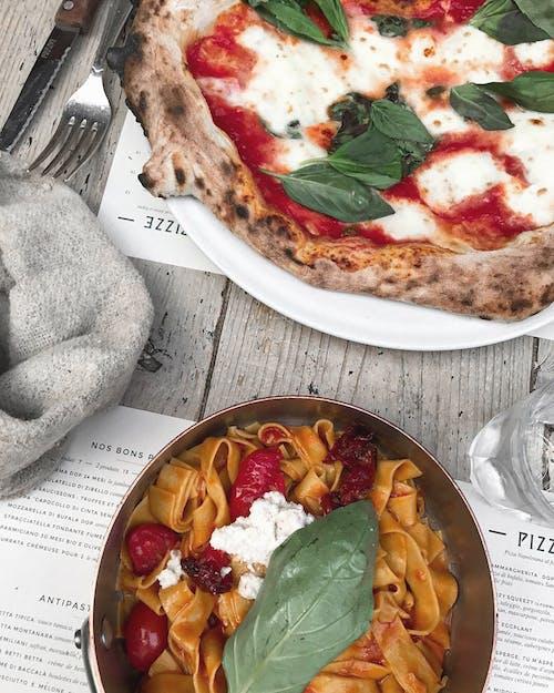 akşam yemeği, beslenme, domates, ekmek içeren Ücretsiz stok fotoğraf