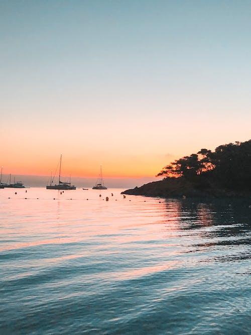 açık hava, akşam, akşam karanlığı, deniz içeren Ücretsiz stok fotoğraf