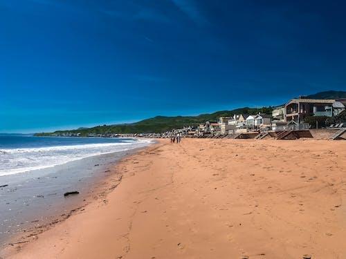 Darmowe zdjęcie z galerii z dom na plaży, fale, malibu, morze