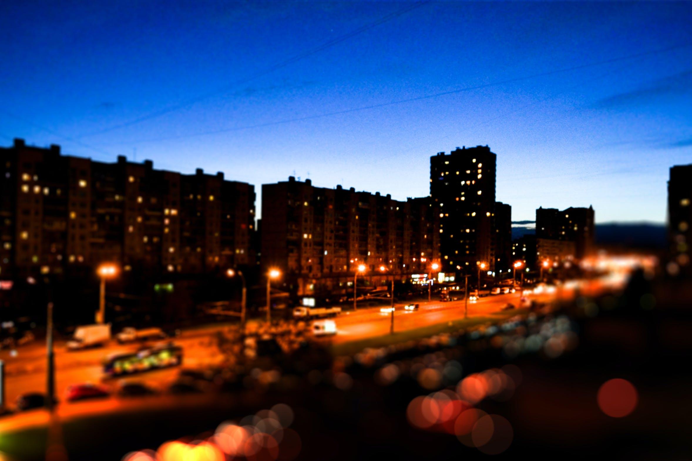 Δωρεάν στοκ φωτογραφιών με απόγευμα, αυτοκίνητα, δρόμος, ελαφρύς