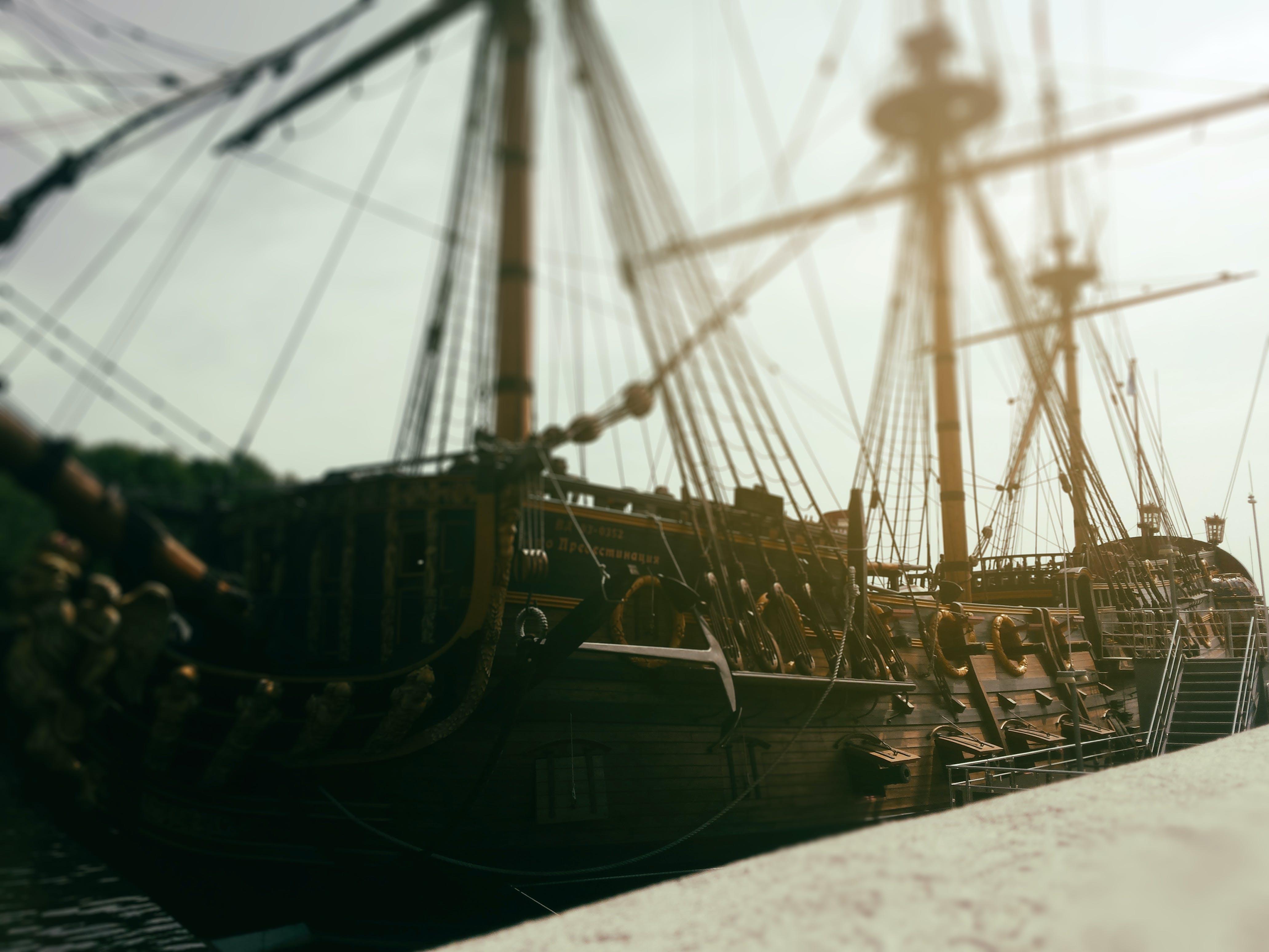 Δωρεάν στοκ φωτογραφιών με ήλιος, καλοκαίρι, καράβι, λαμπρός