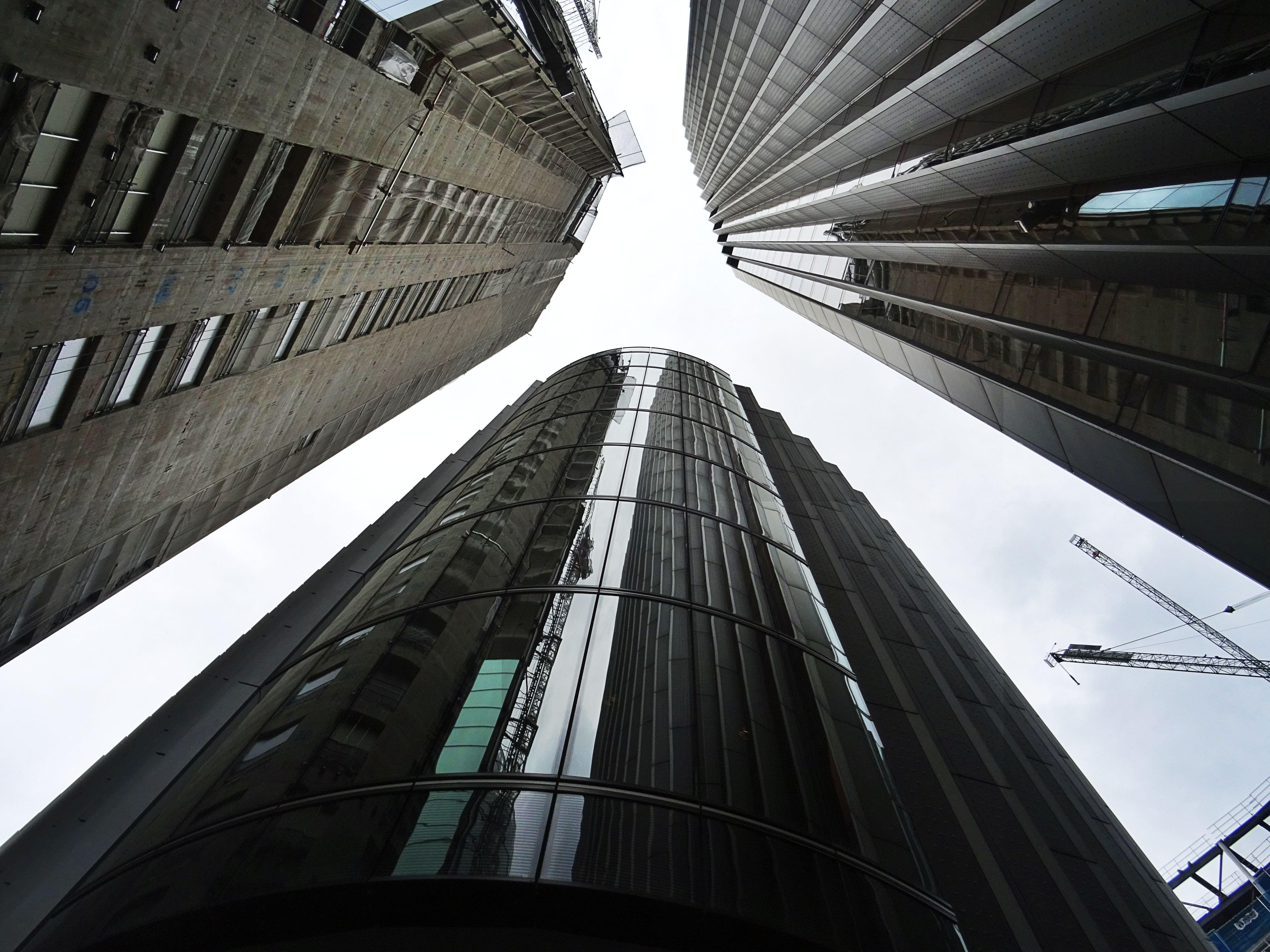 คลังภาพถ่ายฟรี ของ กระจก, การก่อสร้าง, การออกแบบสถาปัตยกรรม, ตึก