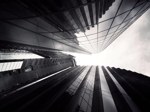 Základová fotografie zdarma na téma architektura, budovy, černobílý, město