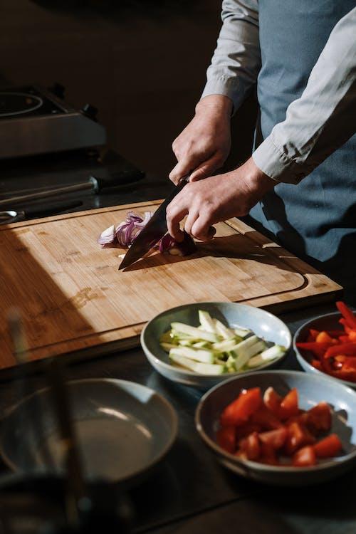 Бесплатное стоковое фото с барная стойка, в помещении, готовить
