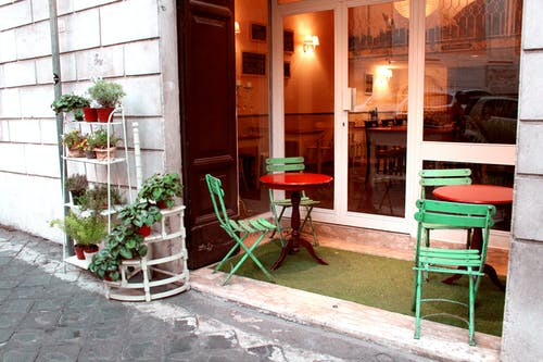 Бесплатное стоковое фото с вход, обед, ресторан, стул