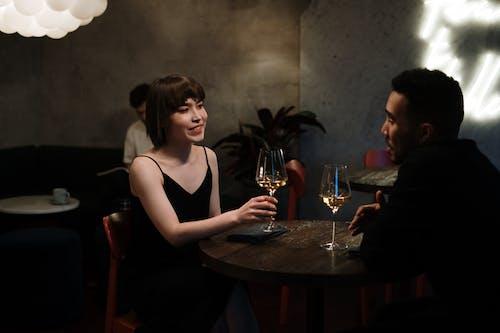 Бесплатное стоковое фото с бар, Бар-кафе, белое вино