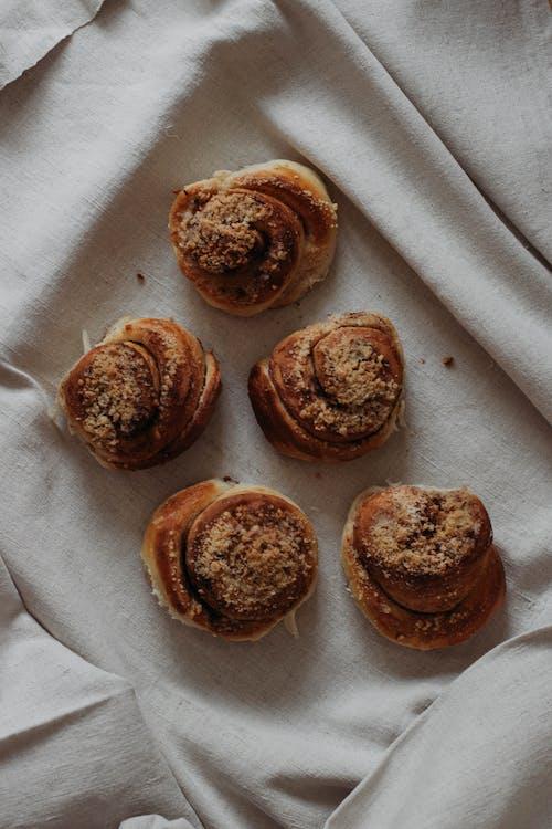 buğday, çikolata, ekmek, ev yapımı içeren Ücretsiz stok fotoğraf