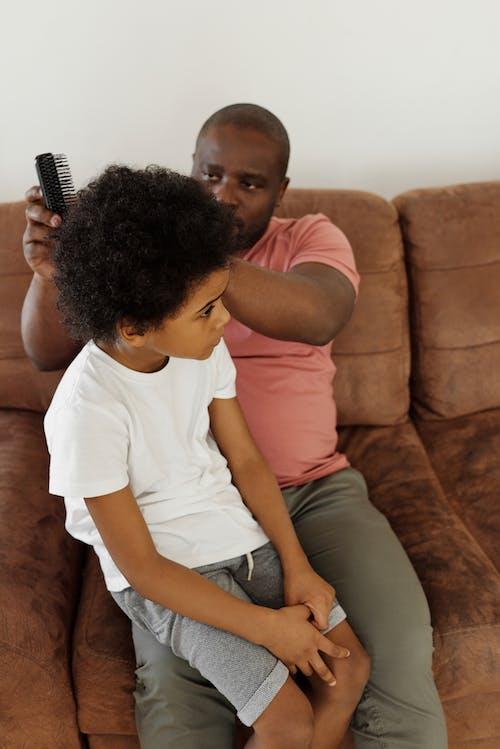 Gratis stockfoto met Afro-Amerikaans, Afro-Amerikaanse man, bank