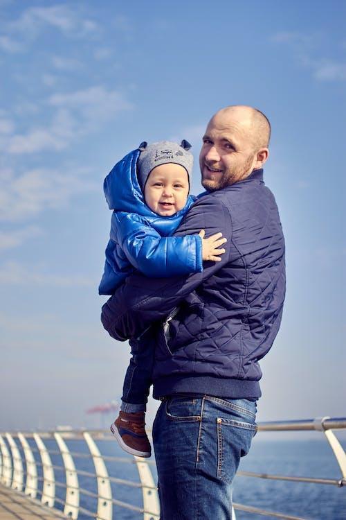 Безкоштовне стокове фото на тему «батьки, батьківство, батько»