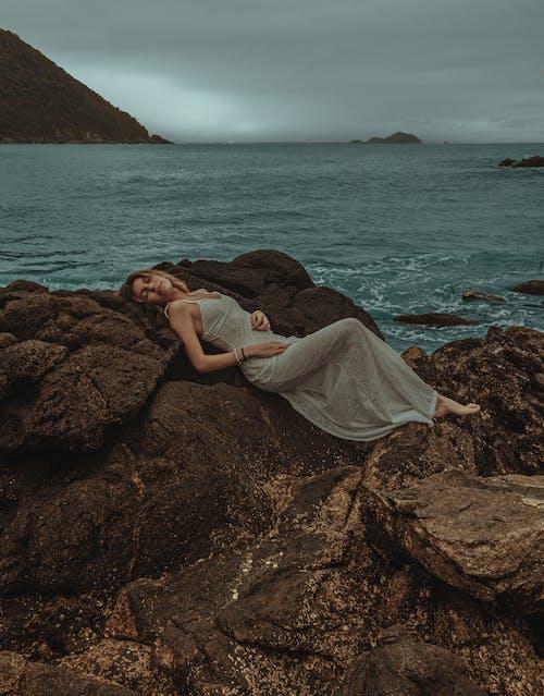 Photos gratuites de beauté, bord de mer, caillou