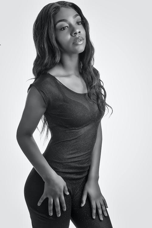 Kostnadsfri bild av 20-25 år gammal kvinna, afrikansk amerikan kvinna, afrikansk amerikan tjej, afroamerikanska kvinnor